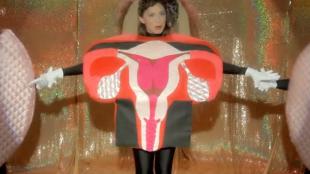 singing-uterus-menopause